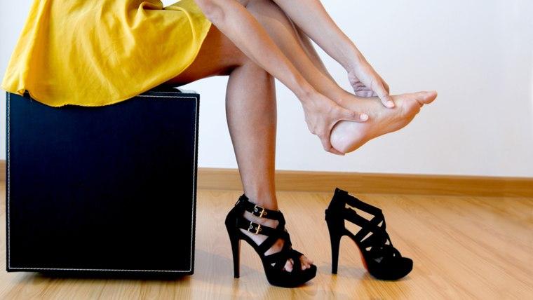 woman hurt toes