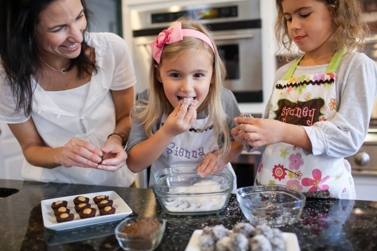 Lisa Leake and her daughters enjoy a cookie recipe that uses dried, pitted dates as the sweetener instead of added sugar.