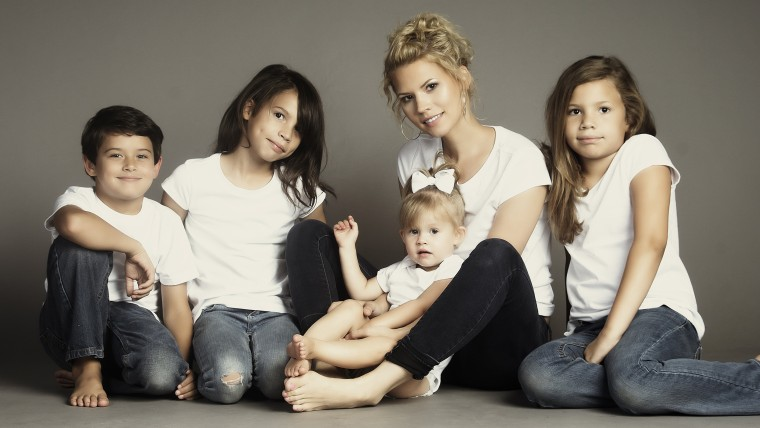 Kimberly Henderson and her four children.