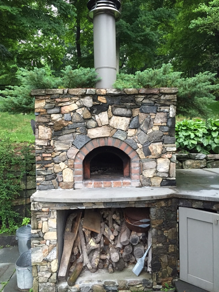 Willie's brick pizza oven