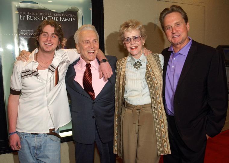 Image: Kirk Douglas, Diana Douglas, Michael Douglas, Cameron Douglas