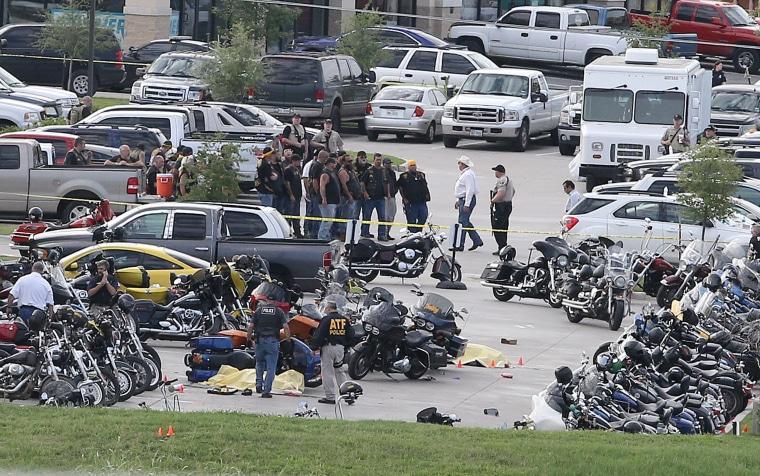 Image: Twin Peaks bar brawl scene