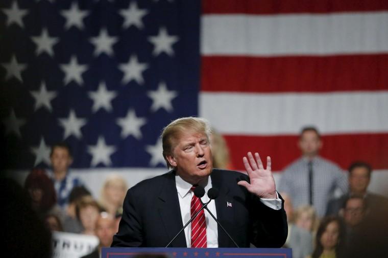 Image: U.S. Republican presidential candidate Donald Trump speaks during a campaign event in Phoenix, Arizona