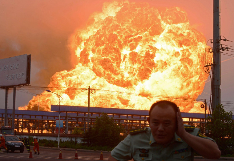 Image: CHINA-ACCIDENT-FIRE