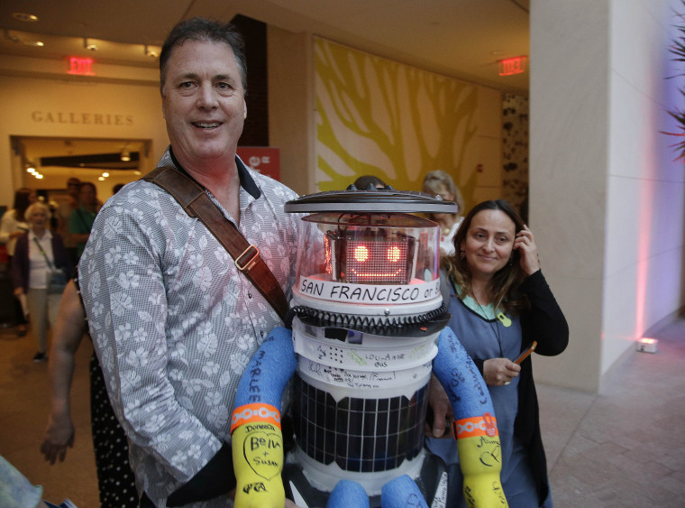 Image: hitchBOT, a hitchhiking robot