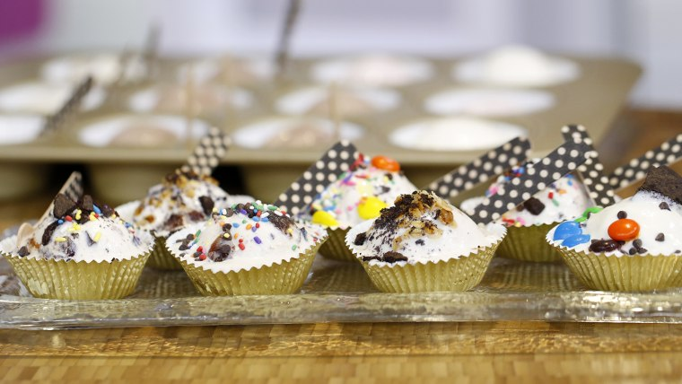 Pre-scooped ice cream 'cup cakes' for a party