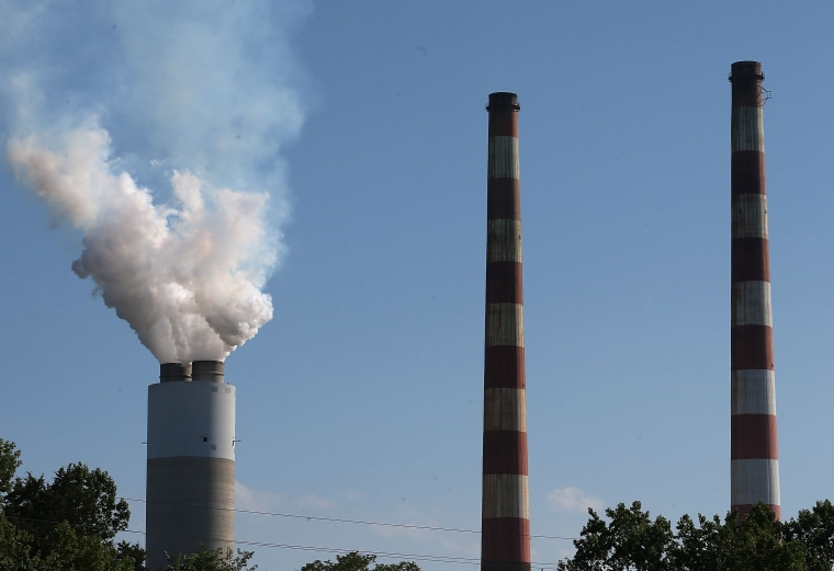 Image: Supreme Court Rules Against Obama Admin's PlanFor Power Plant Emissions
