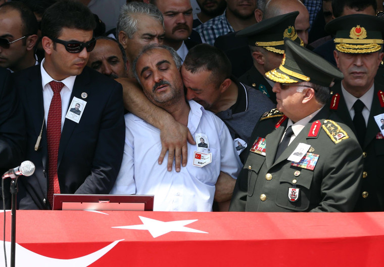Image: TOPSHOTS-TURKEY-SYRIA-KURDS-CONFLICT-SIRNAK-FUNERAL