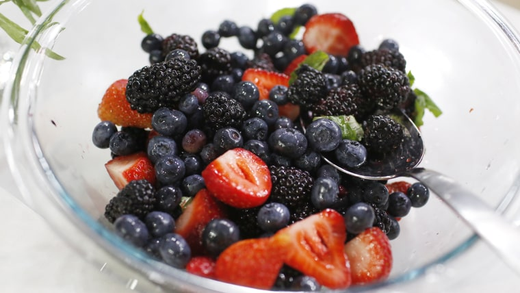 Sam Kass makes fresh fruit salad, chilled fruit gazpacho, and blended fruit smoothies.