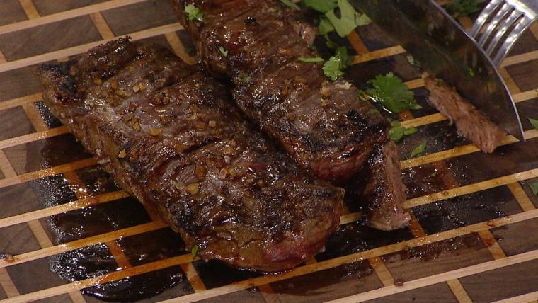 Al Roker cooks Brazilian-style skirt steak with chimichurri sauce