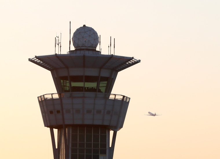 Image: traffic control tower