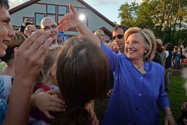 Image: BESTPIX - Hillary Clinton Campaigns In New Hampshire