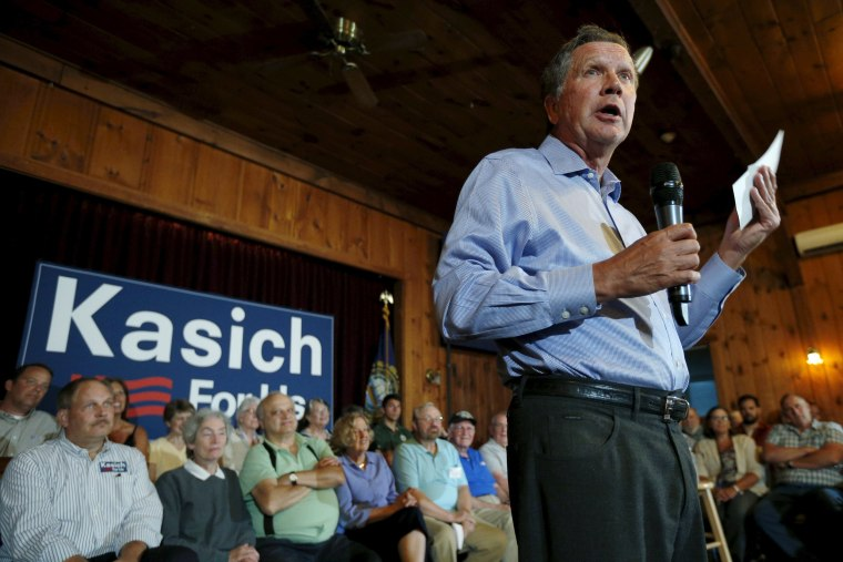 Image: U.S. Republican presidential candidate and Ohio Governor Kasich holds a campaign town hall meeting in Peterborough