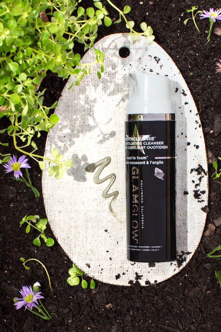GlamGlow YouthCleanse Daily Exfoliating Cleanser