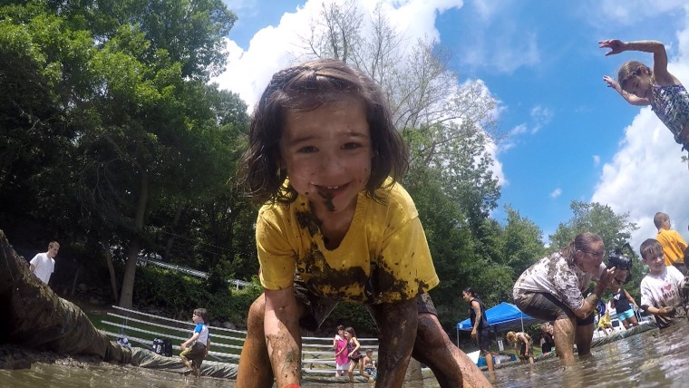 'Muddy Puddles': Making a mess to honor kids who fight cancer