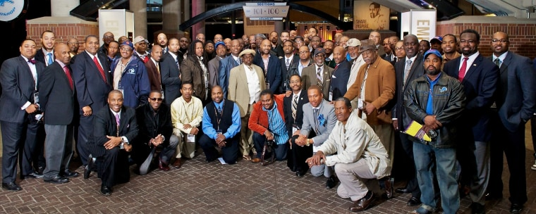 BMe Community is a growing network of all races and genders committed to building better communities across the U.S. BMe is built upon black fathers, coaches, businessmen and students who lead by example to strengthen neighborhoods, mentor young people, and create businesses.