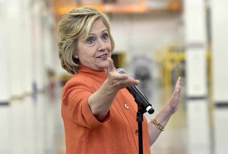 Image: Democratic presidential candidate Clinton addresses union members as she tours the Carpenters International Training Center in Las Vegas