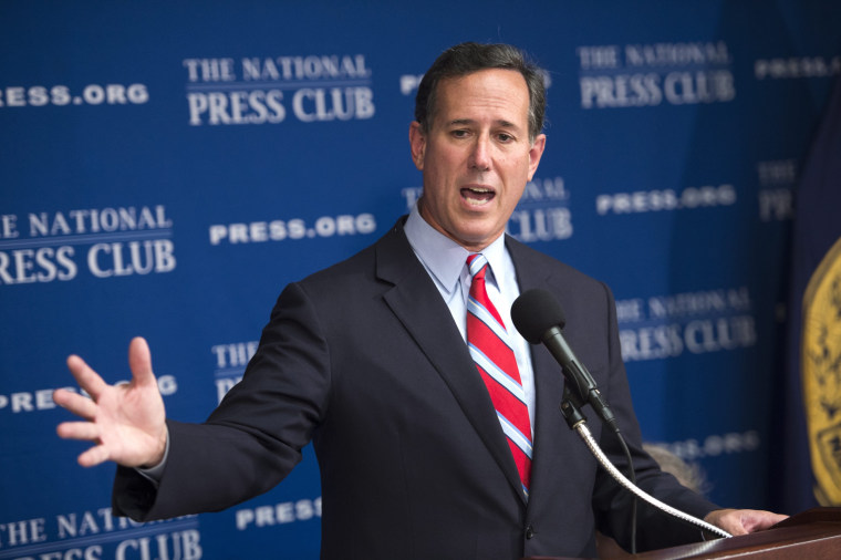 Image: Republican presidential candidate former Senator from Pennsylvania Rick Santorum gives campaign speech on immigration