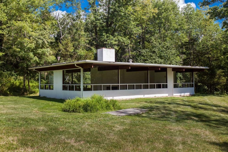 39 it has a lot of incredible vibes to it 39 go inside this for Mid century modern homes zillow
