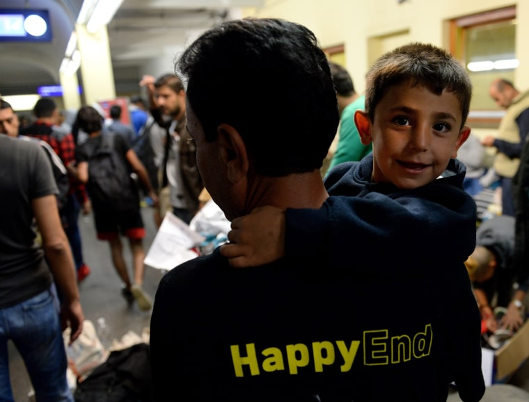 Image: Austria receives migrants sent from Hungary