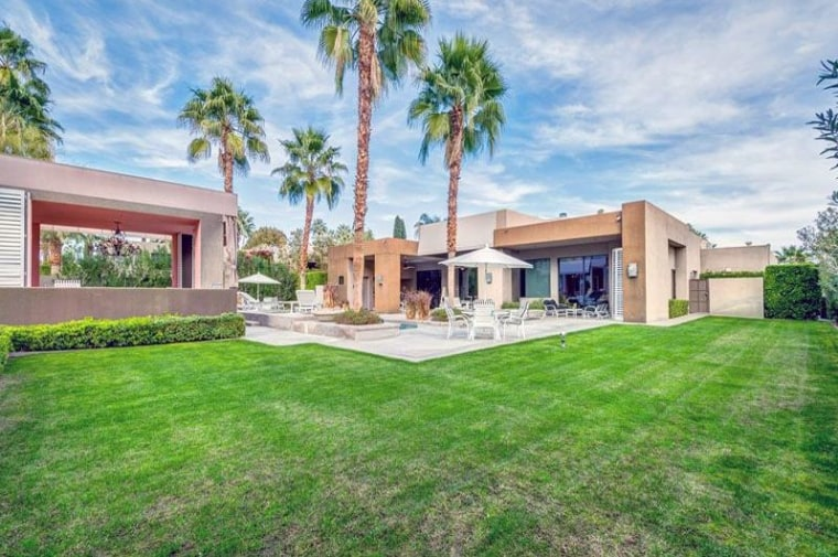 How You Can Stay At Elizabeth Taylor's Luxurious Palm Springs Home