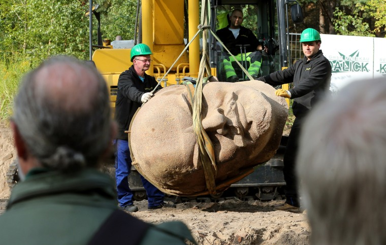 Image: Lenin head retrieved