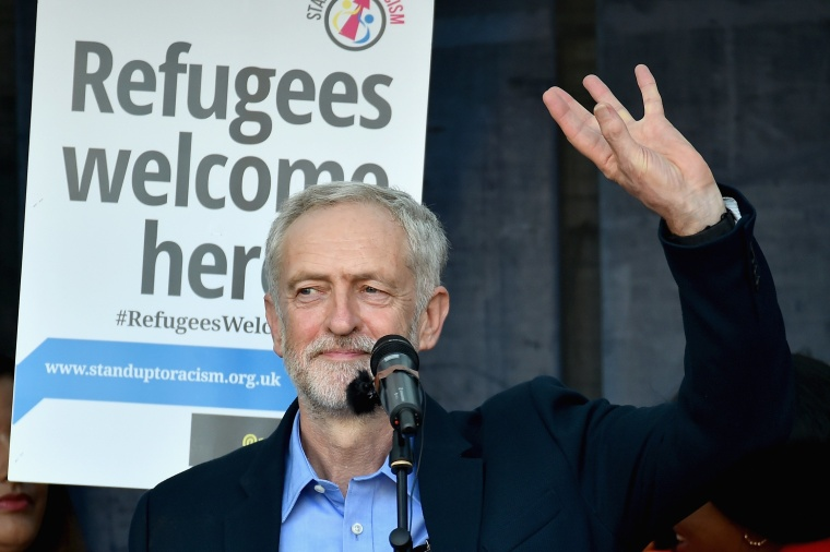 """Image: Amnesty UK Front """"Solidarity With Refugees"""" Demonstration"""
