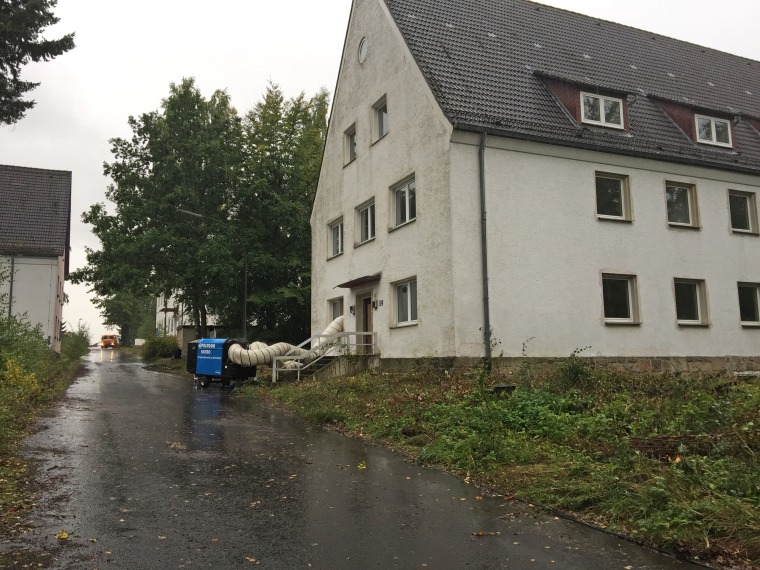 The former military building at Fritz-Erler-Kaserne is designated to become a refugee processing center.