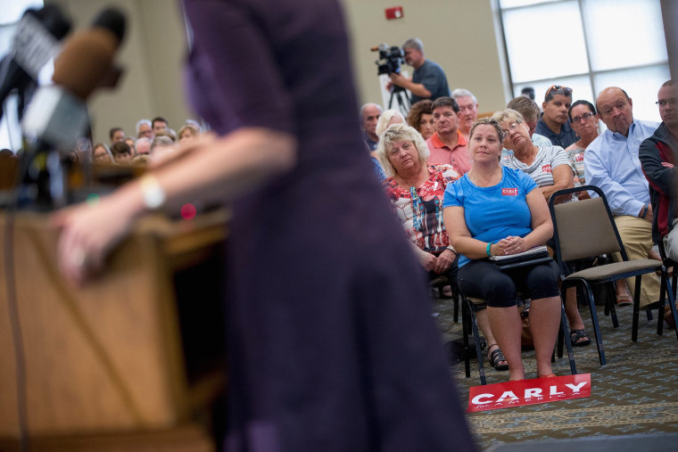Image: Carly Fiorina Campaigns In Davenport, Iowa
