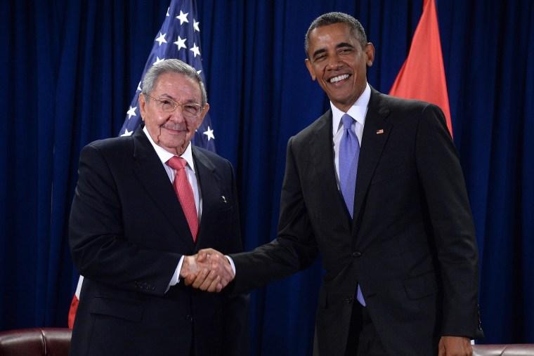 Image: US President Barack Obama meets Cuban President Raul Castro