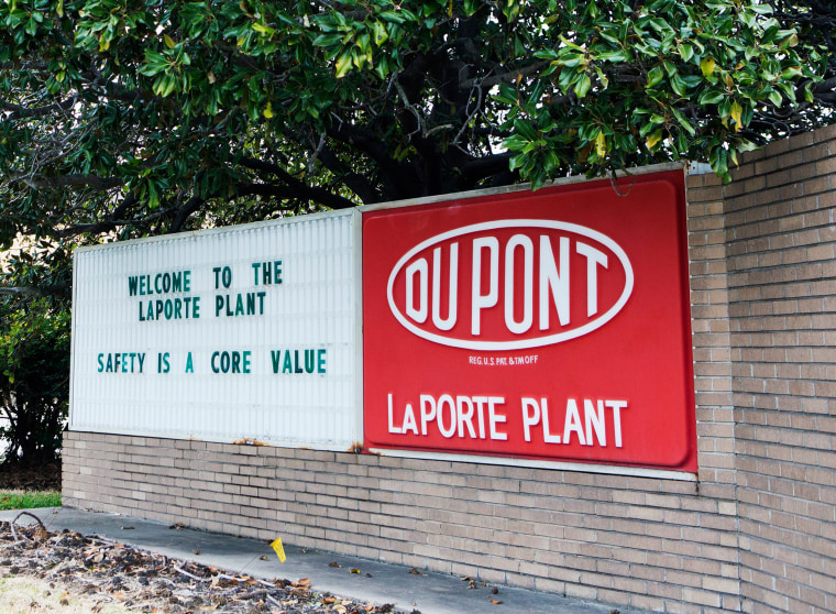 Image: Signage at the DuPont Facility in La Porte, Texas