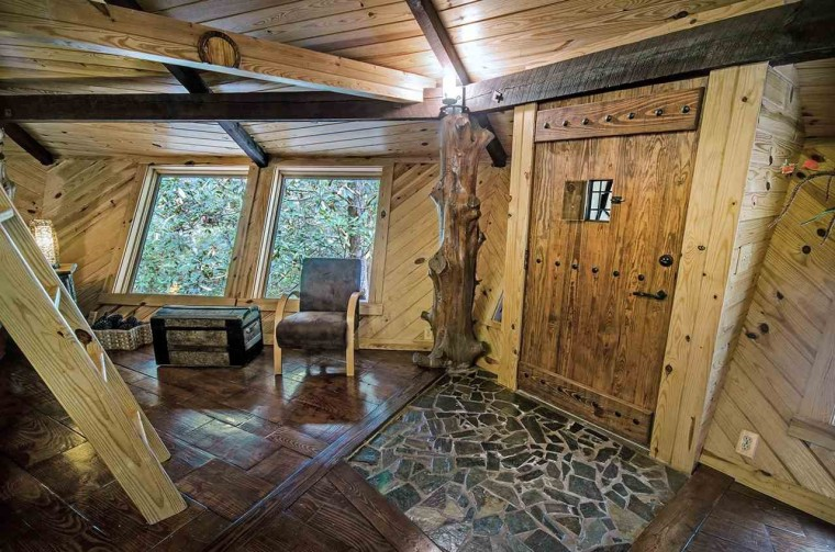 Mississippi treehouse that just sold
