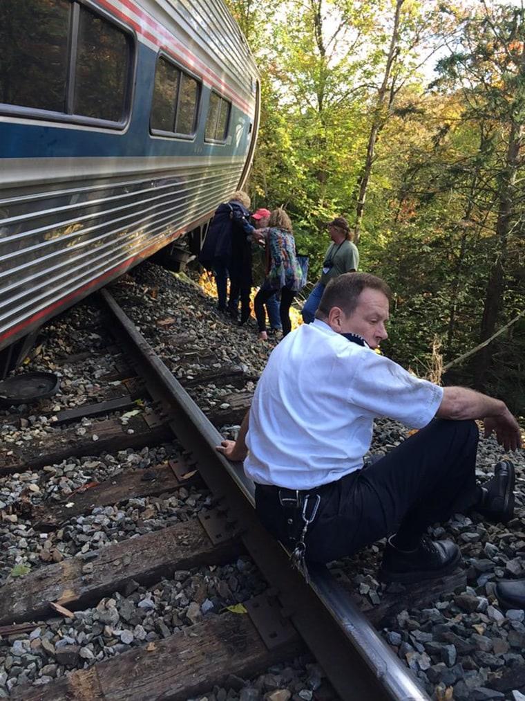 Image: Amtrak train derailed