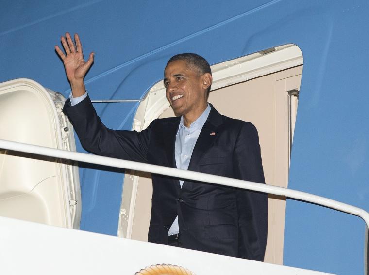 Image: Barack Obama arrives in California