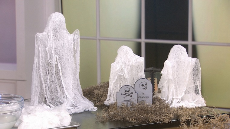 Fall decorating cloth ghosts for Halloween