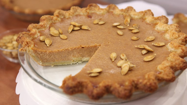 Dr. and Lisa Ox make pumpkin pie with Kathie and Hoda on TODAY.