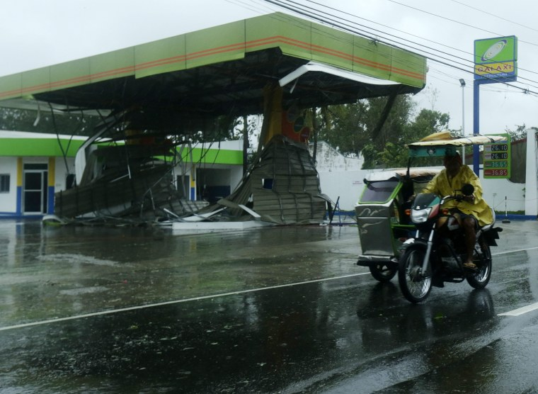 Image: Typhoon Koppu slammed into the northern Philippines.