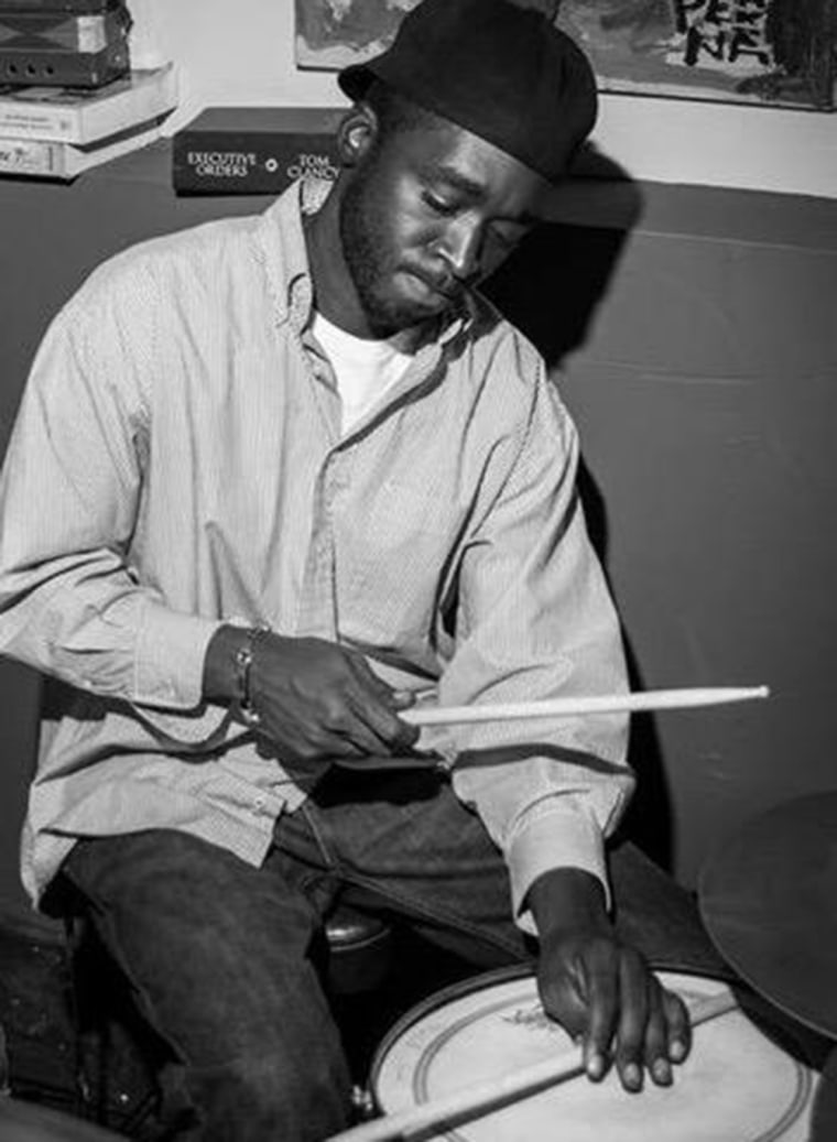 Police in Florida launched an independent investigation after a plainclothes police shot dead Corey Jones, a well-known local drummer, who was armed, while he sat in his car on a highway exit ramp.