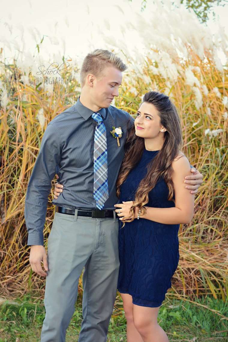 Dad's Hilarious Homecoming Photo Bomb Goes Viral