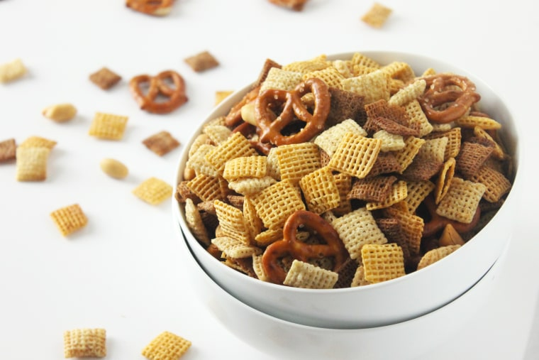 Slow-cooker Chex mix