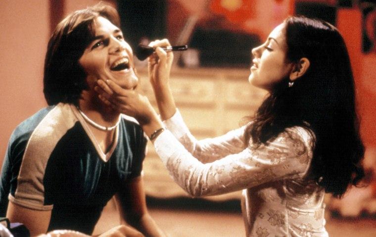 THAT '70S SHOW, Ashton Kutcher, Mila Kunis, (Season 2), 1998-. TM and Copyright (c) 20th Century Fox