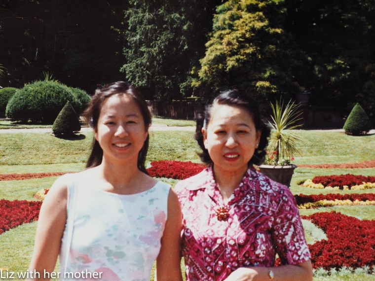 Elizabeth OuYang (left) and her mother, who passed away from breast cancer at age 62