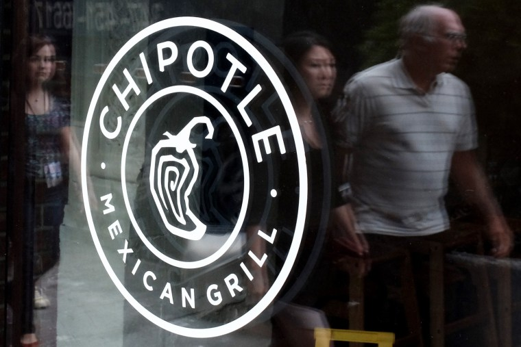 Image: US-ECONOMY-FOOD-CHIPOTLE