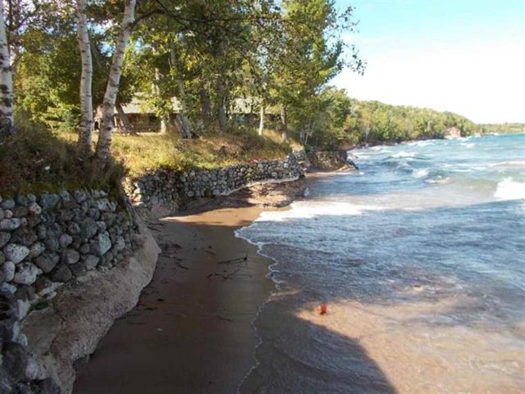 Grand Lake Superior home hits the market