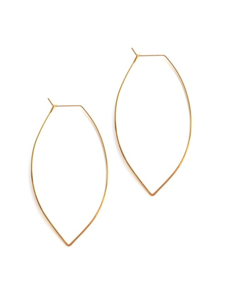 Delicate jewelry trend