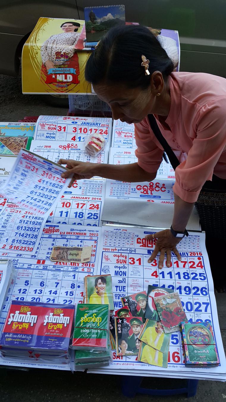 Image: Aung San Suu Kyi's calendars on sale