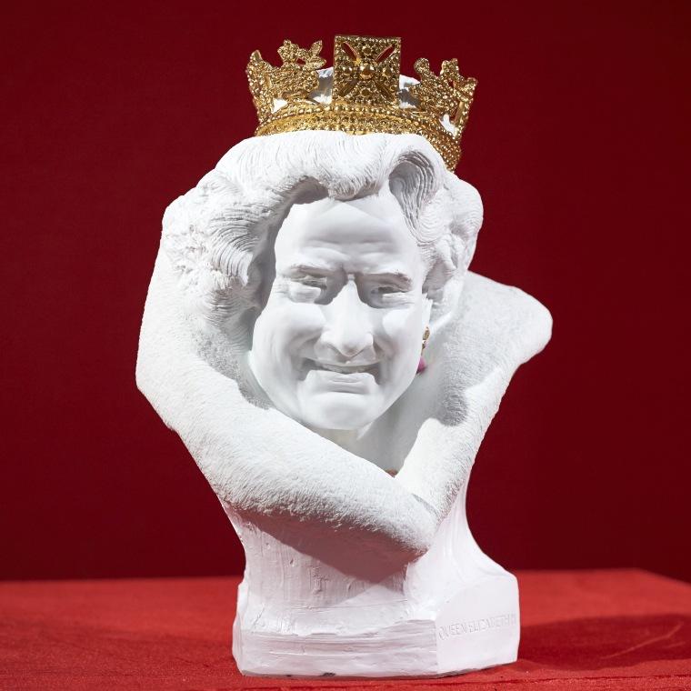 Queen Elizabeth's new bust