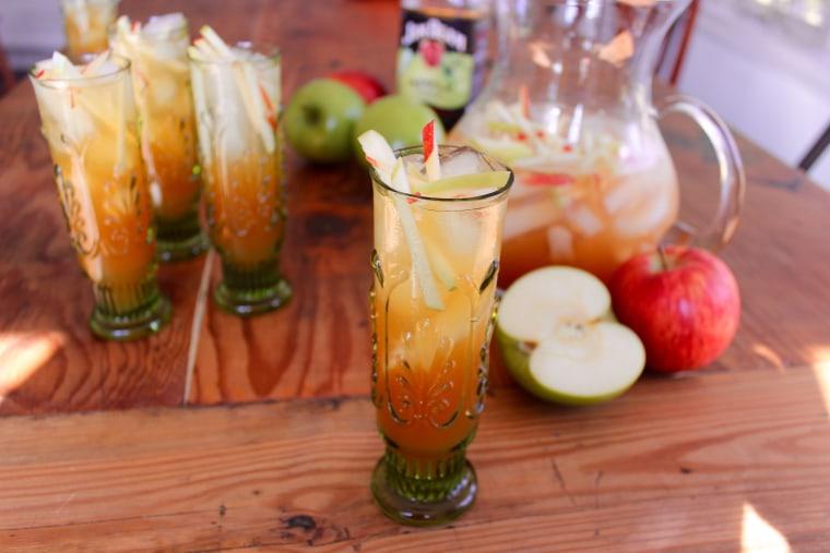 Green apple sangria
