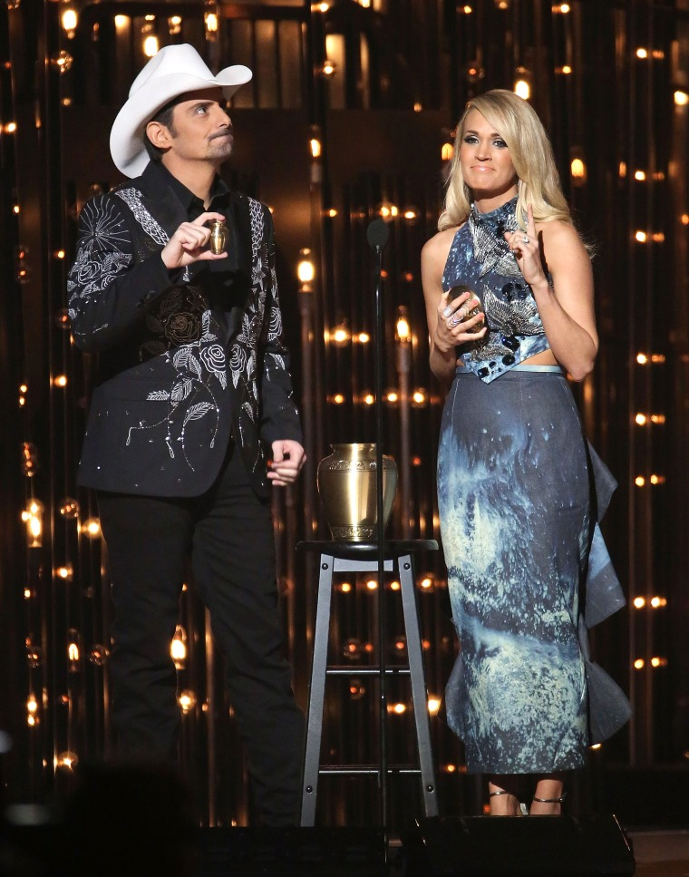 Carrie Underwood 2015 CMAs