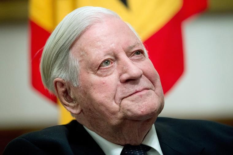 Image: Former German Chancellor Helmut Schmidt